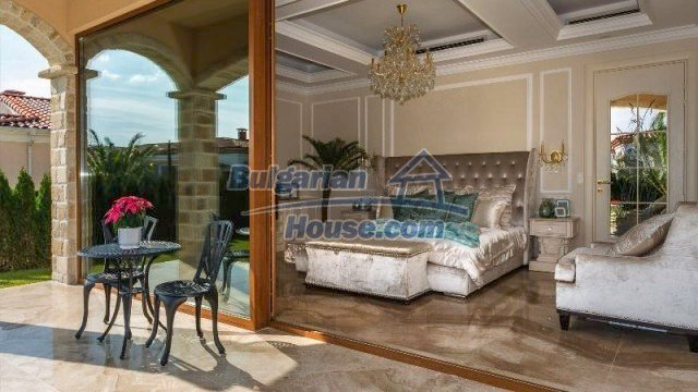 11882:17 - Marvelous top class seaside house near Sunny Beach