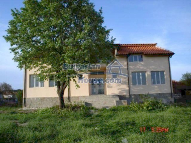 11885:1 - Large cheap house near Elhovo with great investment potential