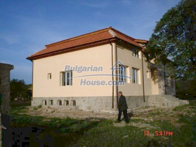 11885:4 - Large cheap house near Elhovo with great investment potential