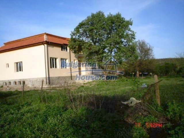 11885:12 - Large cheap house near Elhovo with great investment potential
