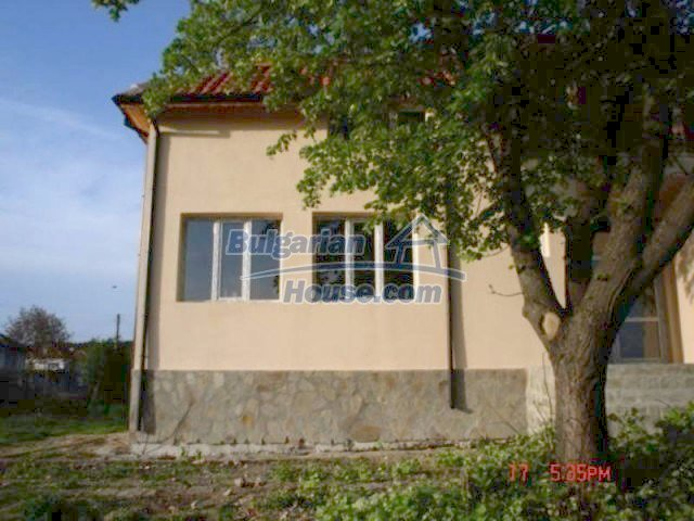 11885:9 - Large cheap house near Elhovo with great investment potential