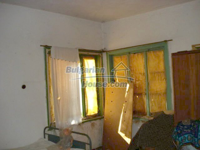 11886:8 - Cheap rural house in lovely countryside near Elhovo