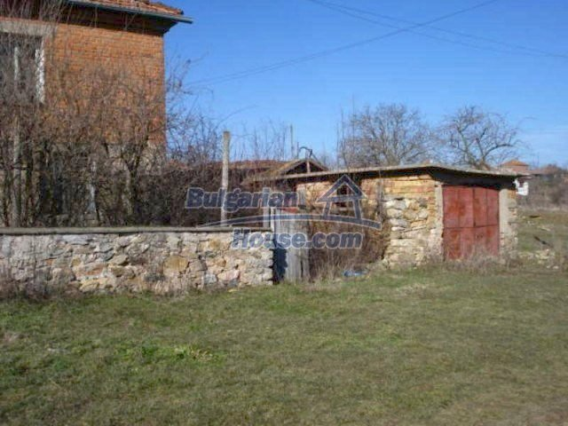 11886:15 - Cheap rural house in lovely countryside near Elhovo