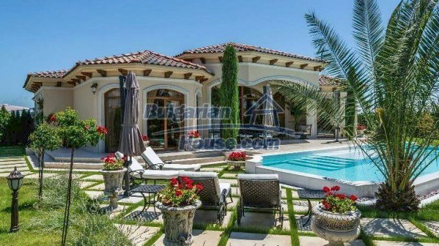 11900:2 - Luxury seaside house - fabulous garden and lovely swimming pool
