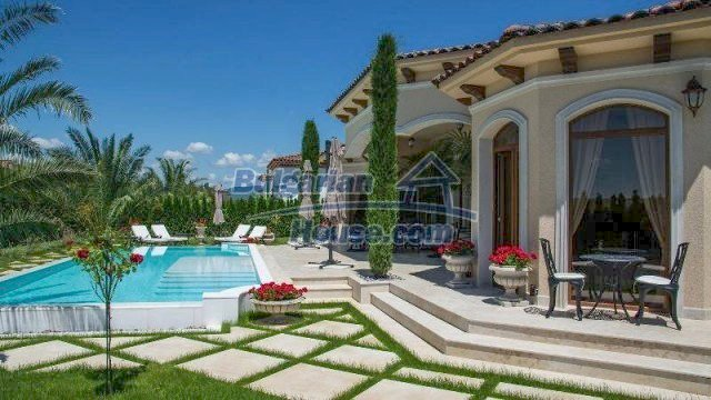 11900:3 - Luxury seaside house - fabulous garden and lovely swimming pool