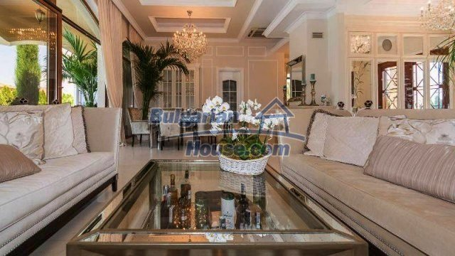 11900:11 - Luxury seaside house - fabulous garden and lovely swimming pool