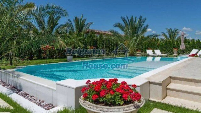 11900:6 - Luxury seaside house - fabulous garden and lovely swimming pool