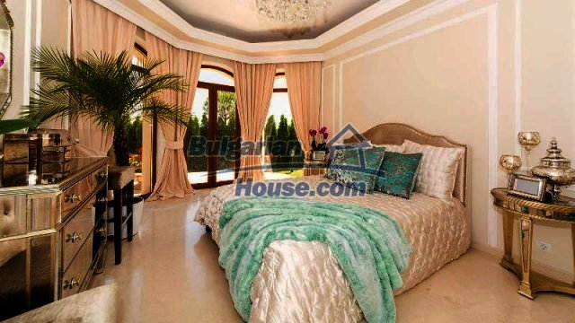 11900:12 - Luxury seaside house - fabulous garden and lovely swimming pool
