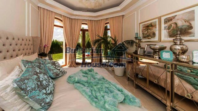 11900:17 - Luxury seaside house - fabulous garden and lovely swimming pool