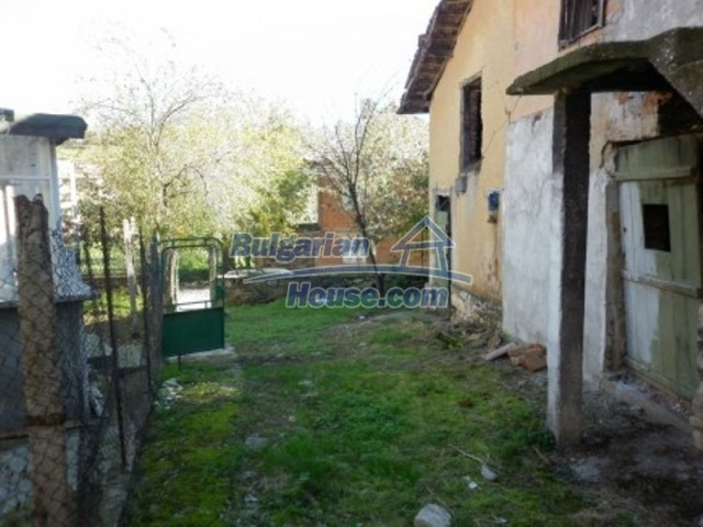 11902:9 - Nice rural house with a sunny compact garden - Vratsa