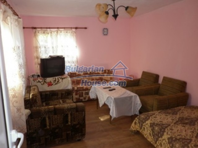 11902:12 - Nice rural house with a sunny compact garden - Vratsa