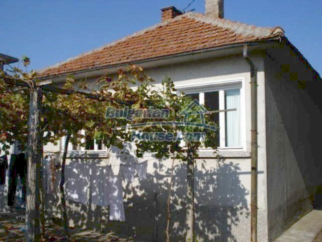 11907:1 - Sunny house with lovely garden in very good condition - Elhovo