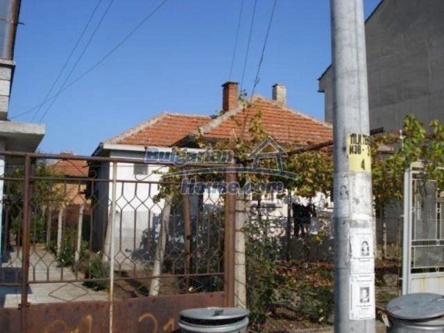 11907:2 - Sunny house with lovely garden in very good condition - Elhovo