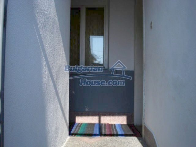 11907:3 - Sunny house with lovely garden in very good condition - Elhovo