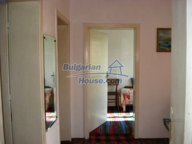 11907:4 - Sunny house with lovely garden in very good condition - Elhovo