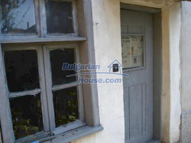 11907:12 - Sunny house with lovely garden in very good condition - Elhovo