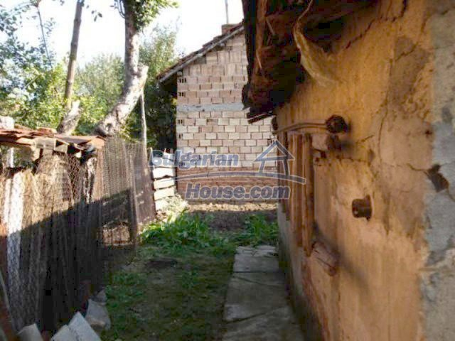 11907:13 - Sunny house with lovely garden in very good condition - Elhovo