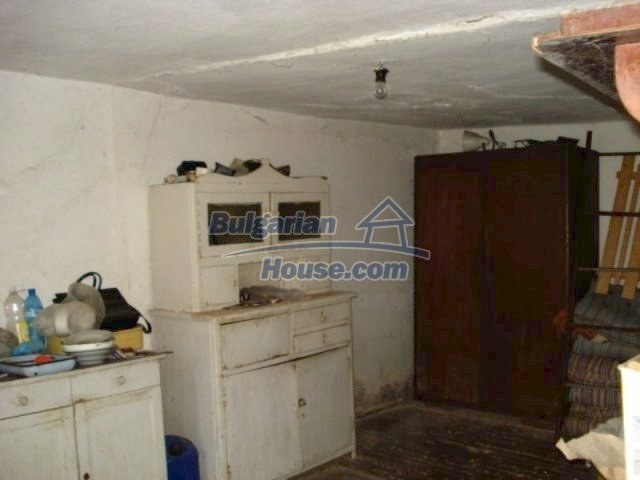 11909:4 - Spacious well maintained house with lovely garden in Elhovo town