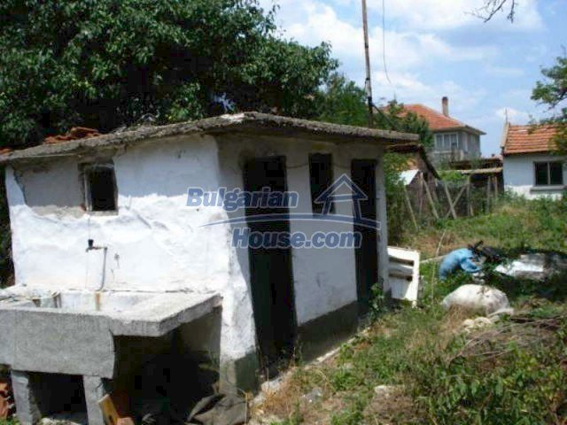 11909:13 - Spacious well maintained house with lovely garden in Elhovo town