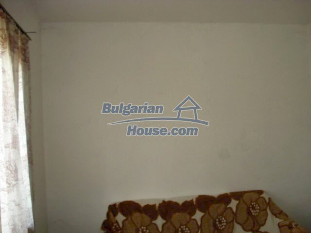 11909:8 - Spacious well maintained house with lovely garden in Elhovo town