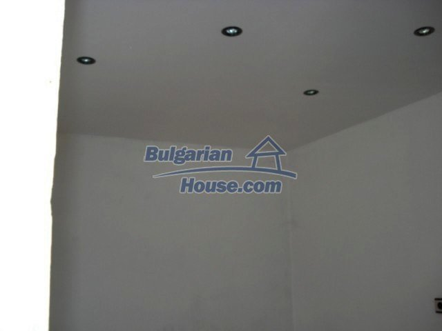 11909:9 - Spacious well maintained house with lovely garden in Elhovo town