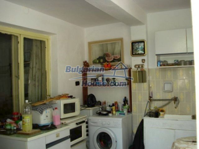11910:2 - Large family house close to downtown in Elhovo