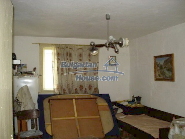 11910:4 - Large family house close to downtown in Elhovo