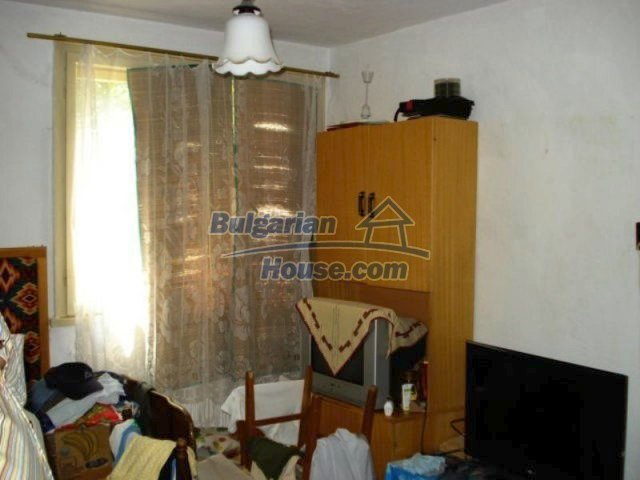 11910:5 - Large family house close to downtown in Elhovo