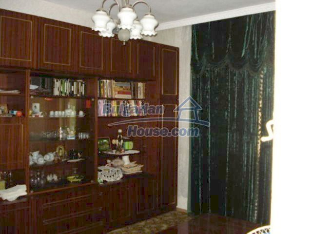11910:8 - Large family house close to downtown in Elhovo