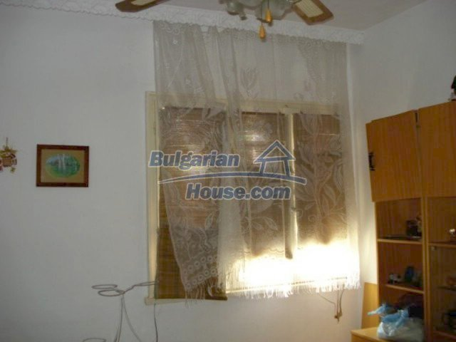 11910:11 - Large family house close to downtown in Elhovo