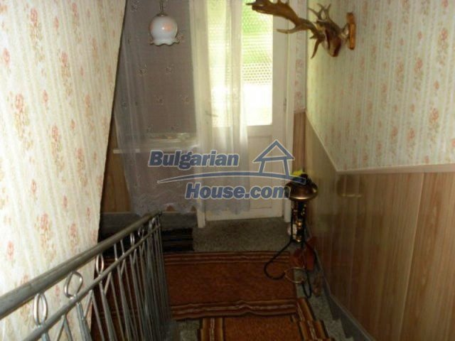 11910:13 - Large family house close to downtown in Elhovo