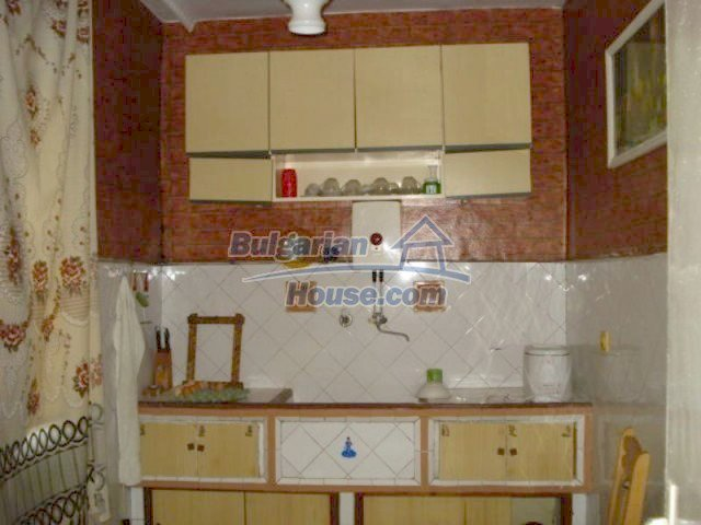 11910:9 - Large family house close to downtown in Elhovo