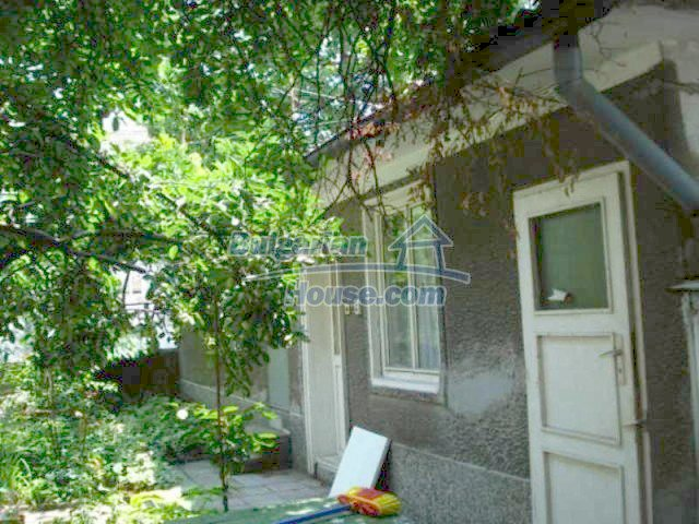 11910:17 - Large family house close to downtown in Elhovo
