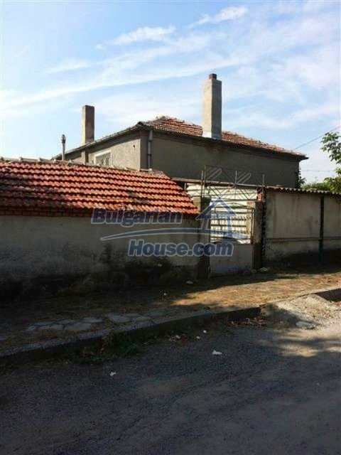 11915:15 - Well presented coastal house in the village of Galabets, Pomorie