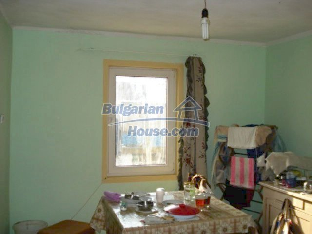 11917:11 - Lovely sunny house with splendid location in Elhovo town