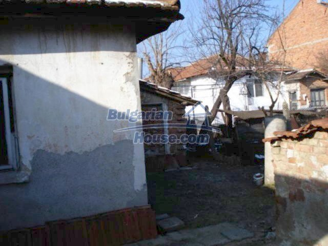 11917:12 - Lovely sunny house with splendid location in Elhovo town