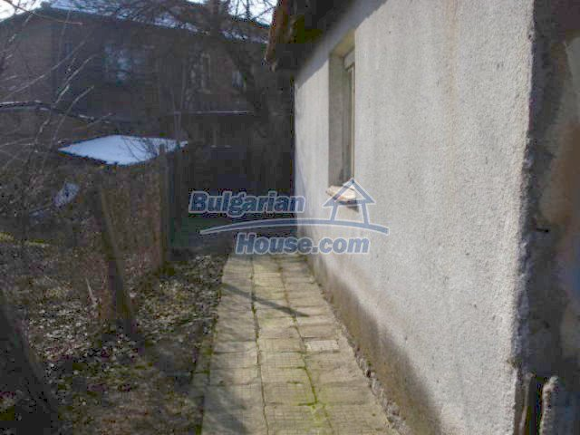 11917:13 - Lovely sunny house with splendid location in Elhovo town