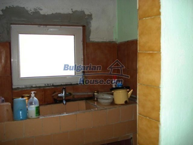 11917:9 - Lovely sunny house with splendid location in Elhovo town
