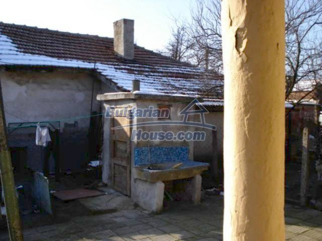 11917:14 - Lovely sunny house with splendid location in Elhovo town