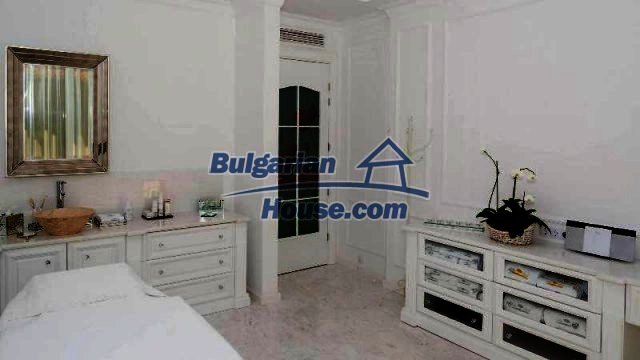 11919:8 - Stunning beautiful luxuriously furnished house in Sunny Beach