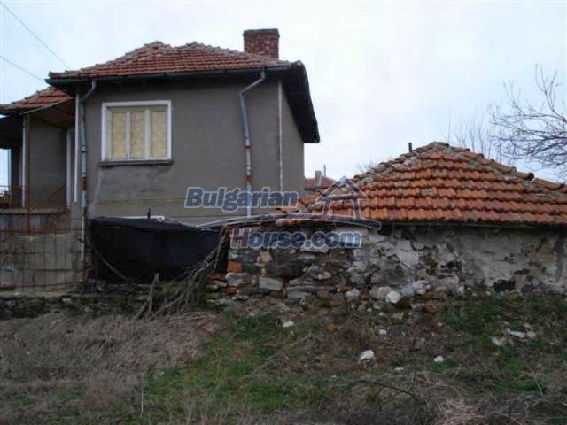 11926:3 - Functional house in the village of Golyam Manastir near Elhovo