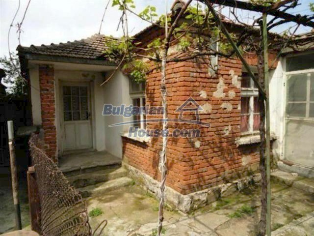 11927:2 - Very cheap and well disposed seaside house near Pomorie