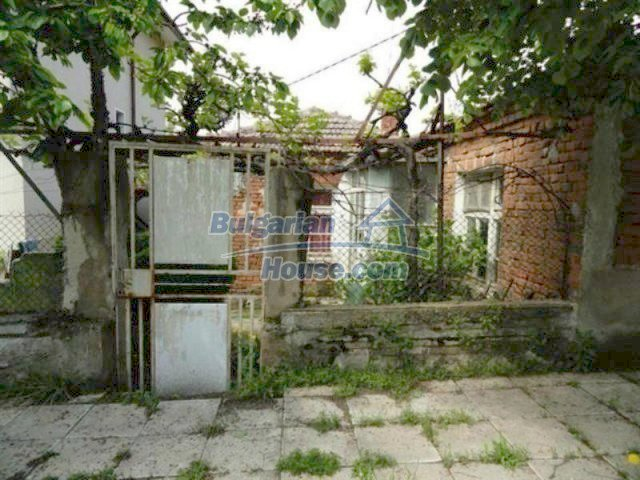 11927:5 - Very cheap and well disposed seaside house near Pomorie