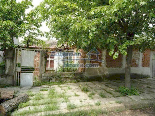 11927:6 - Very cheap and well disposed seaside house near Pomorie