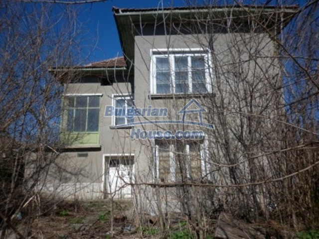 11929:2 - Solid spacious house 20 km from Danube River in Vratsa region