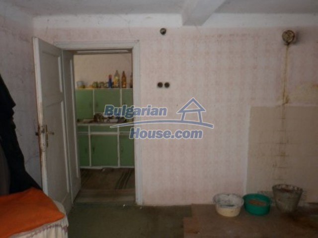 11929:6 - Solid spacious house 20 km from Danube River in Vratsa region
