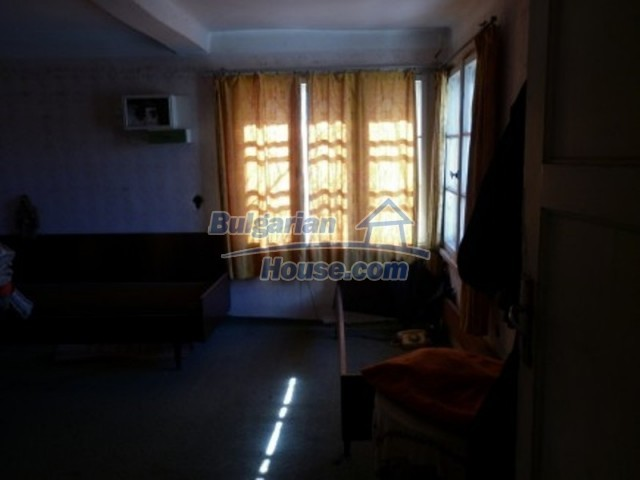 11929:8 - Solid spacious house 20 km from Danube River in Vratsa region