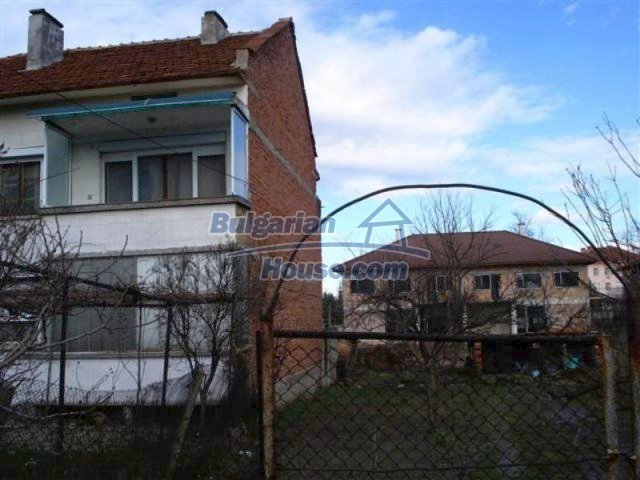 11940:2 - Nice semi-detached Bulgarian house in the centre of Elhovo