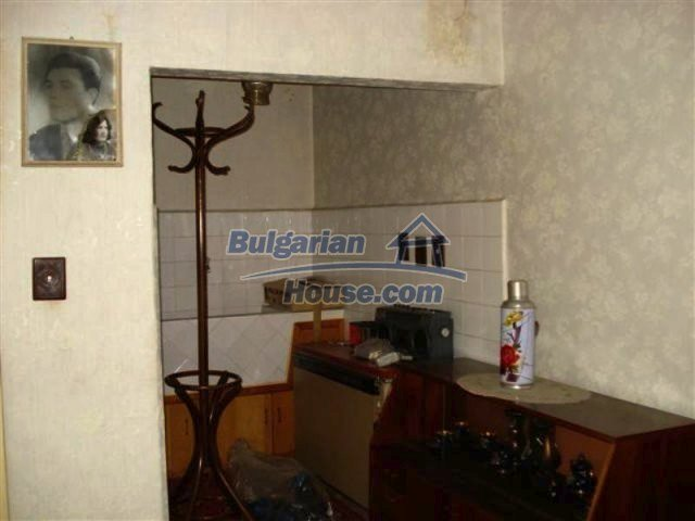11940:9 - Nice semi-detached Bulgarian house in the centre of Elhovo