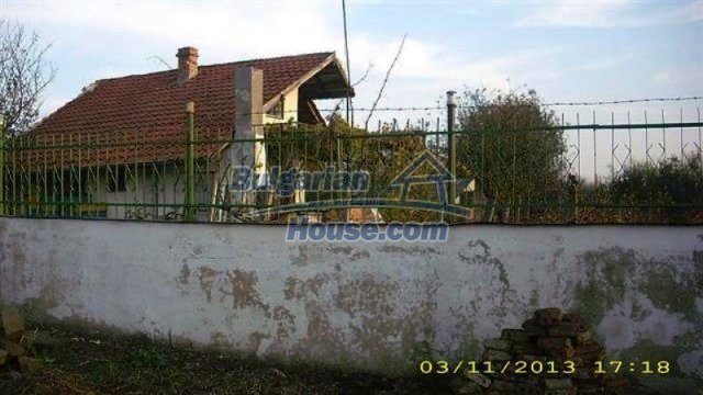 11945:1 - Cheap house with lovely garden and nice surroundings - Bourgas